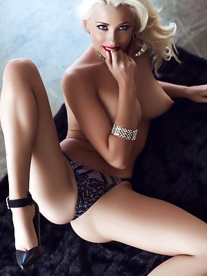 Cybergirl of the Month November 2014